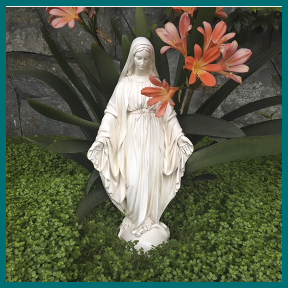 Ovalo Virgen con Niño